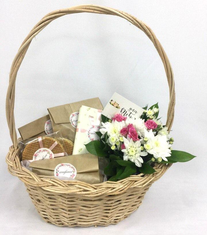 Цветы букеты подарочные корзины